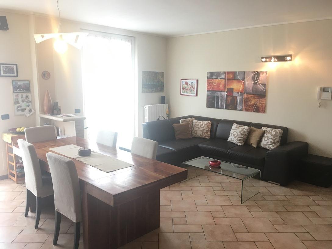 Appartamento in vendita a Chiari, 4 locali, prezzo € 125.000 | Cambio Casa.it