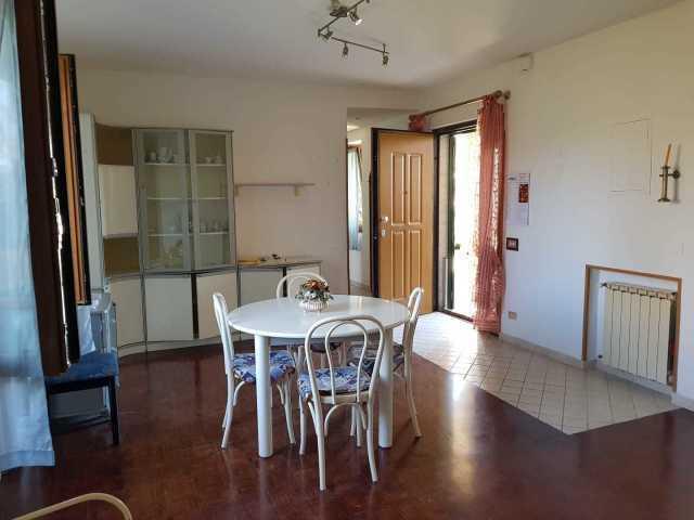 Casa semindipendente in vendita a Castelnuovo Magra (SP)