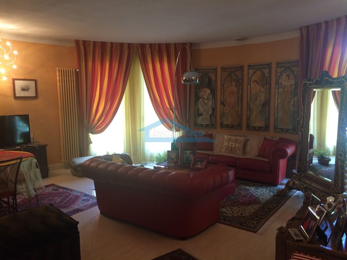 Sala Villa  a Adro