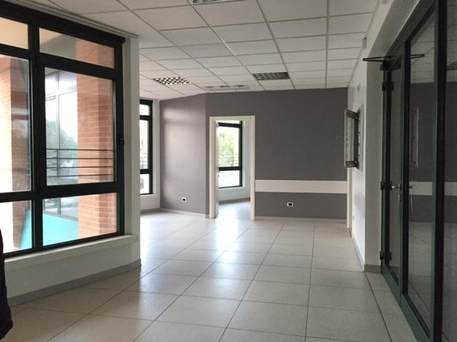 Negozio / Locale in affitto a San Benedetto del Tronto, 13 locali, prezzo € 4.000 | CambioCasa.it