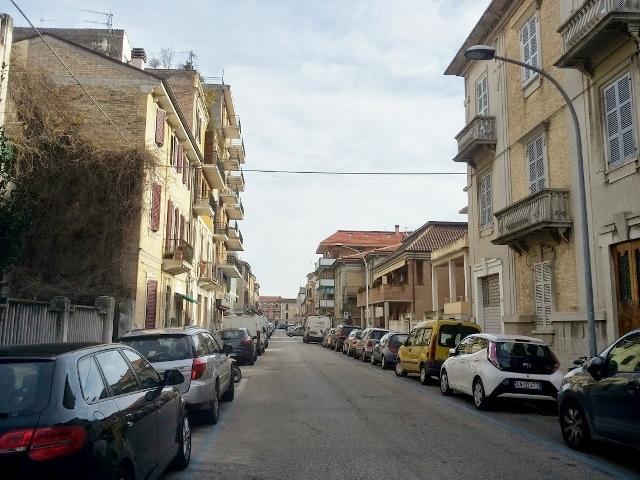 Bilocale San Benedetto del Tronto Via Crispi 11