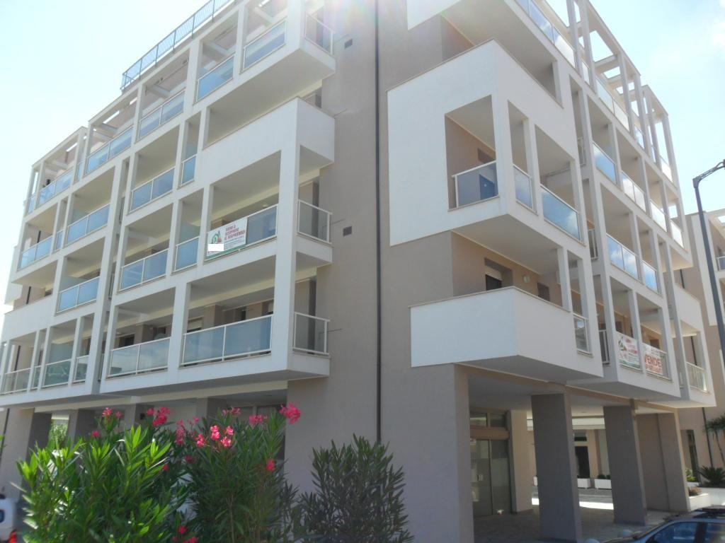 Appartamento in vendita a Grottammare, 2 locali, prezzo € 163.000   Cambio Casa.it