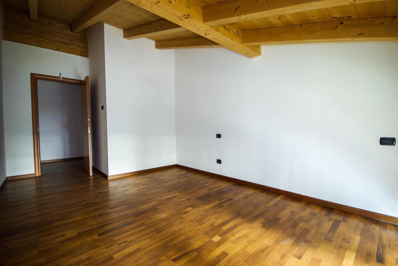 Appartamento in vendita a Locate Varesino, 3 locali, prezzo € 194.000   Cambio Casa.it