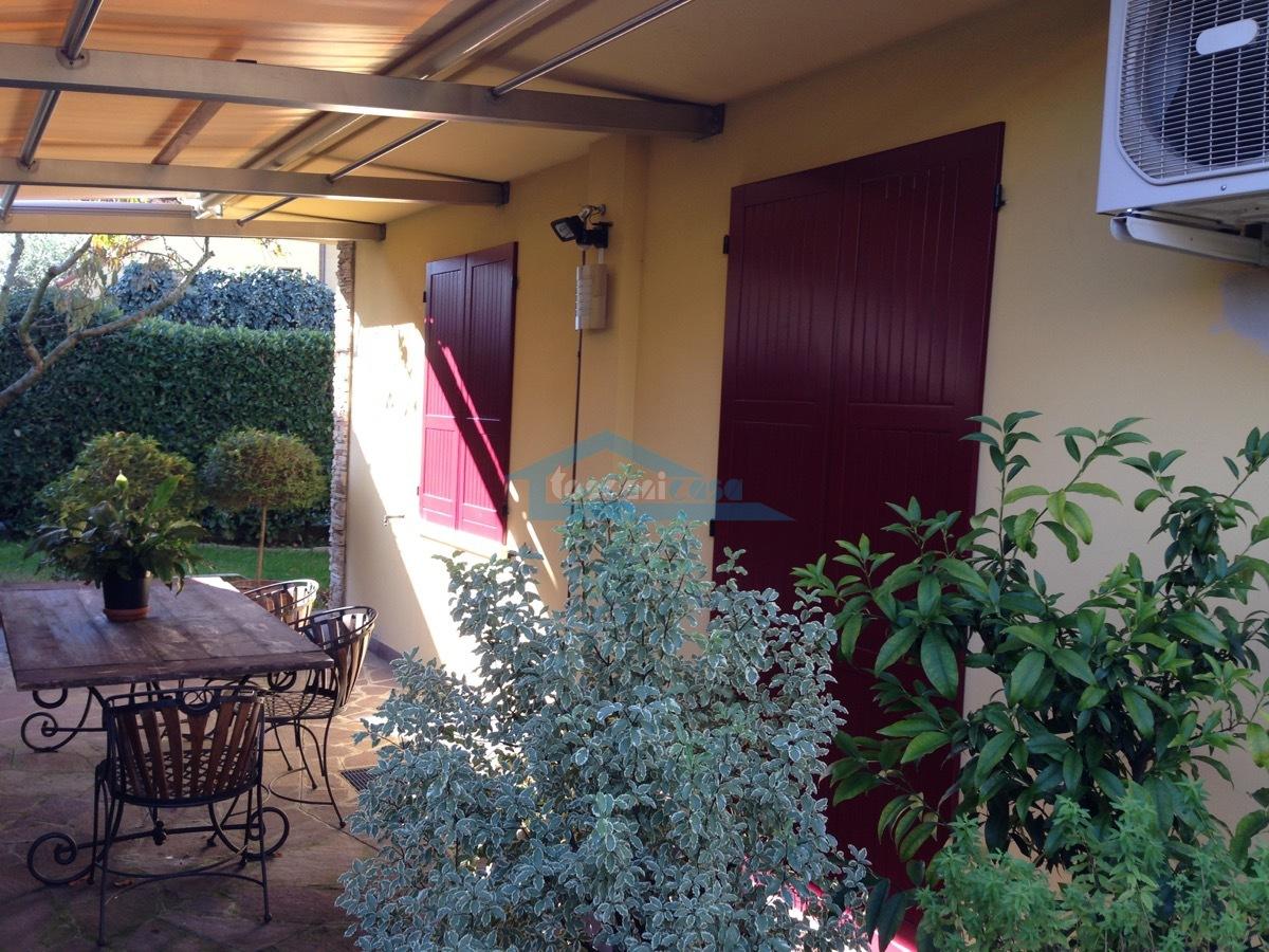 Porticato Villa  a Adro