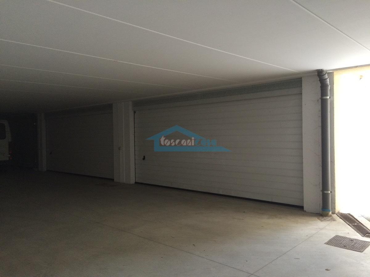 Porte box sezionali elettriche Villa a schiera  a Palazzolo sull'Oglio