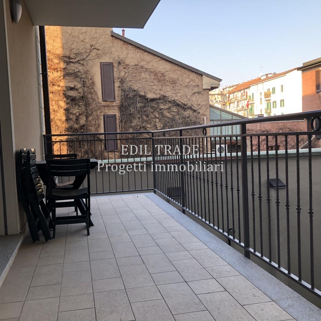 trilocale con terrazzo e box a Milano - Cambiocasa.it