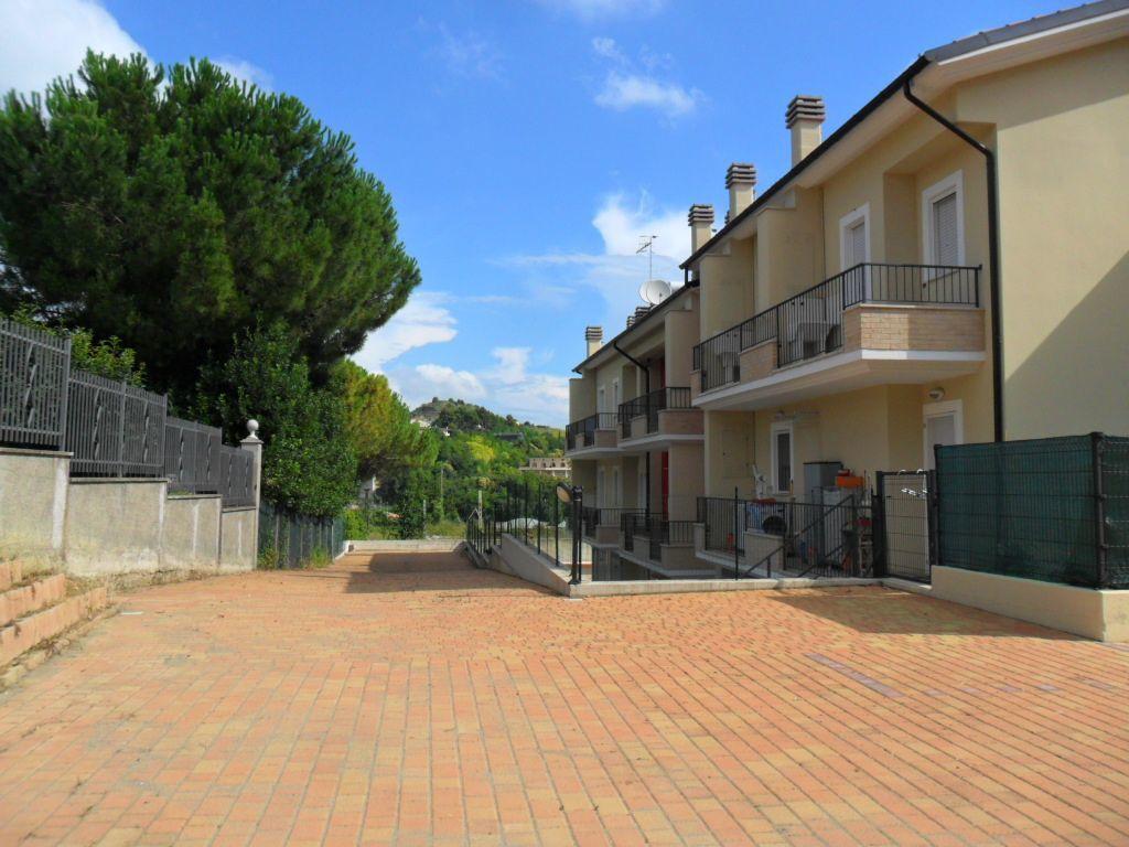 Bilocale San Benedetto del Tronto Collina 12
