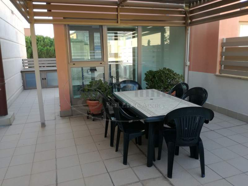 Palazzo / Stabile in vendita a Livorno, 5 locali, prezzo € 390.000 | CambioCasa.it