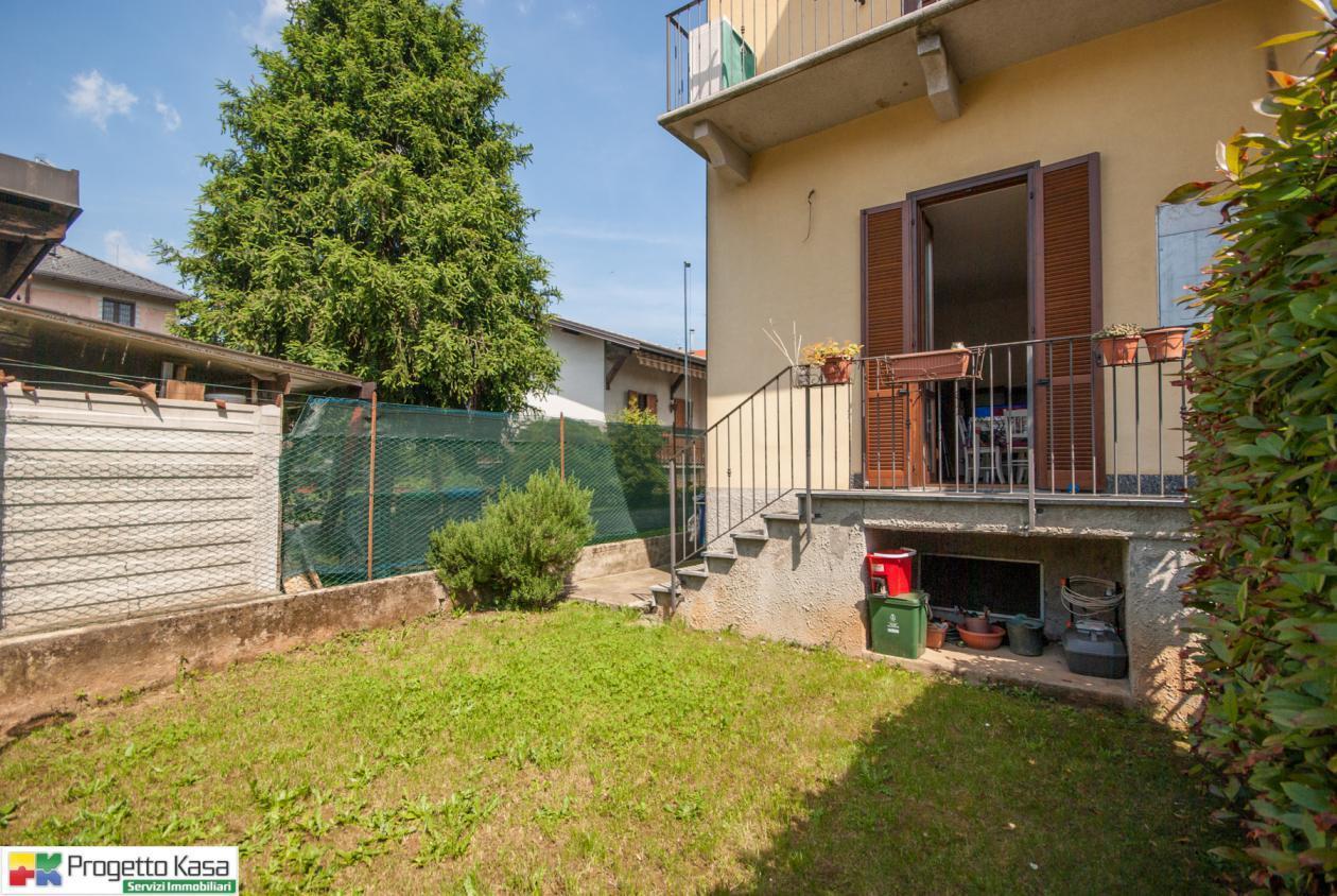 Appartamento in vendita a Carbonate, 2 locali, prezzo € 118.000   CambioCasa.it