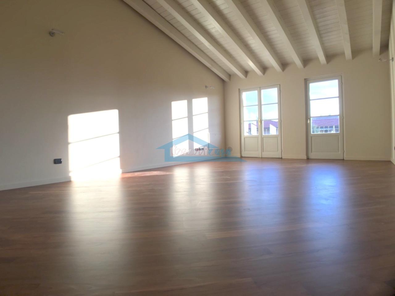 Sala Appartamento  a Rovato