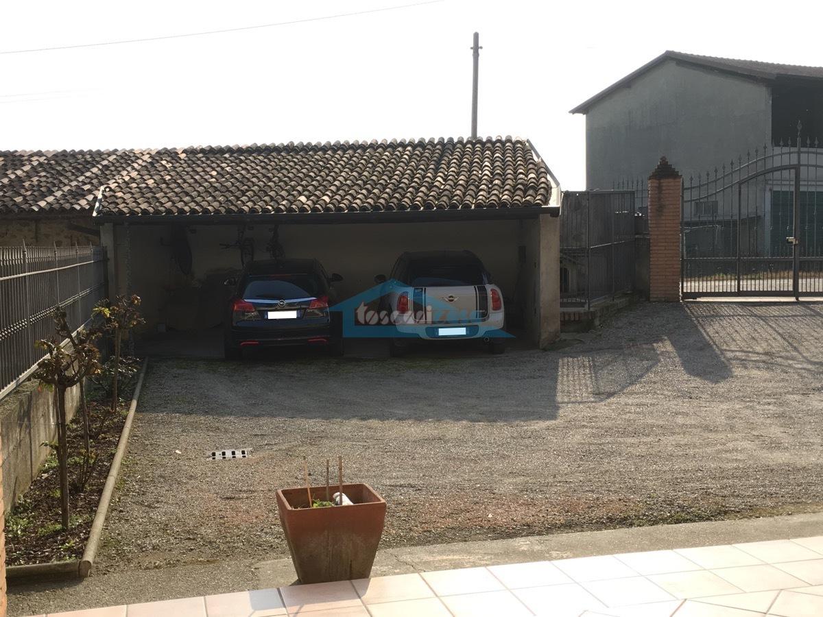 2 Posti auto coperti Appartamento  a Cazzago San Martino
