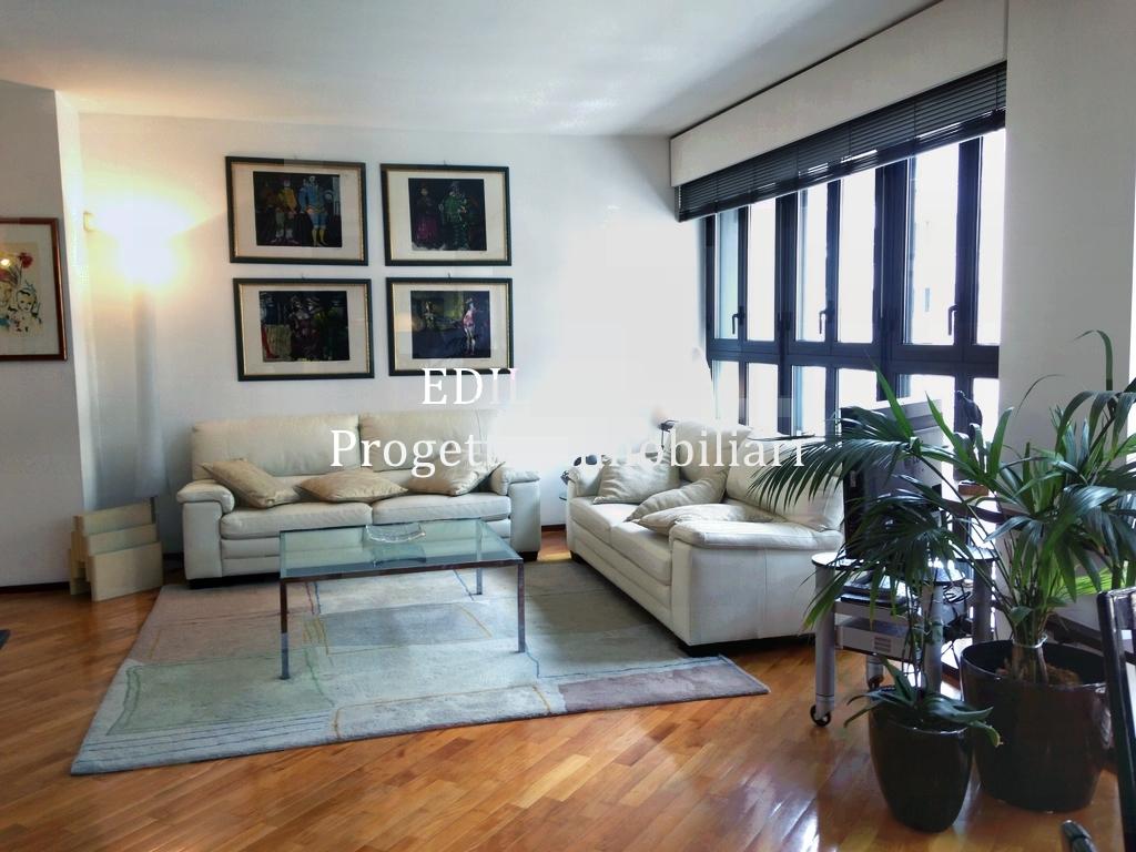 Appartamento in affitto a Milano, 3 locali, prezzo € 2.800   CambioCasa.it