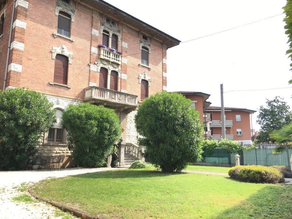 Villa in vendita a Chiari, 9999 locali, prezzo € 480.000 | Cambio Casa.it