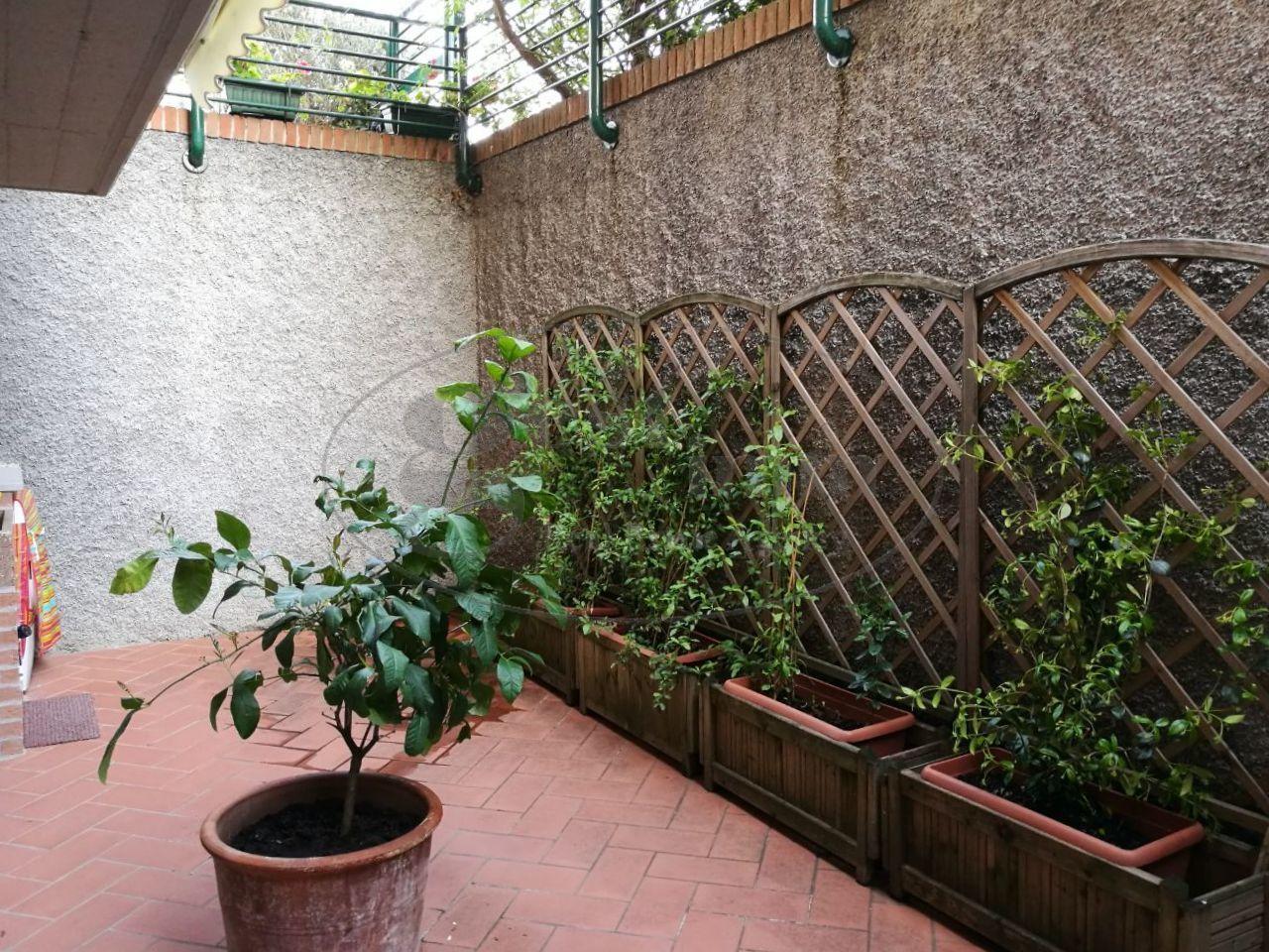 Stabile/Palazzo in vendita - Montenero, Livorno