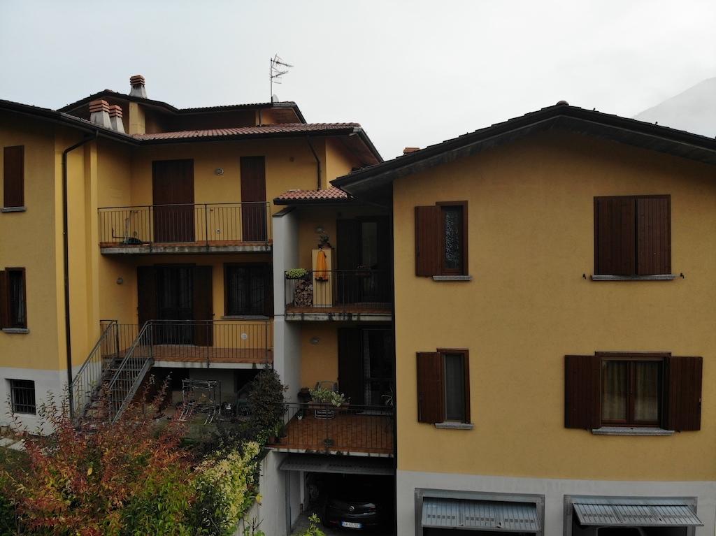 Appartamenti e Attici CAINO vendita    Agenzia Caravaggi s.a.s.