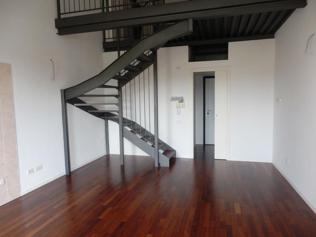 Loft / Openspace in vendita a Milano, 2 locali, prezzo € 150.000 | Cambio Casa.it