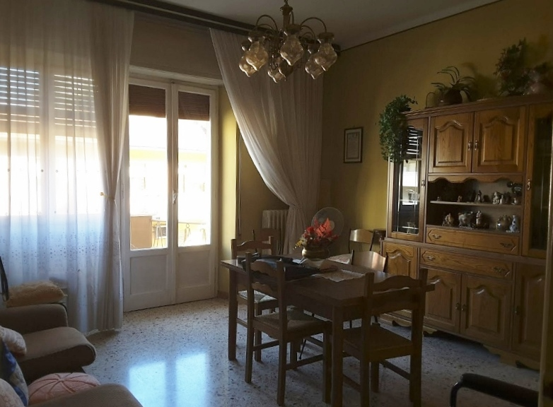 Appartamento in vendita a Ascoli Piceno, 5 locali, prezzo € 140.000 | Cambio Casa.it