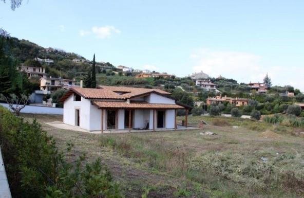 Villa in vendita a Acquaviva Picena, 9 locali, prezzo € 350.000 | Cambio Casa.it
