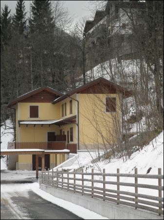 Villa a Schiera in affitto a Fiumalbo, 5 locali, prezzo € 500 | CambioCasa.it