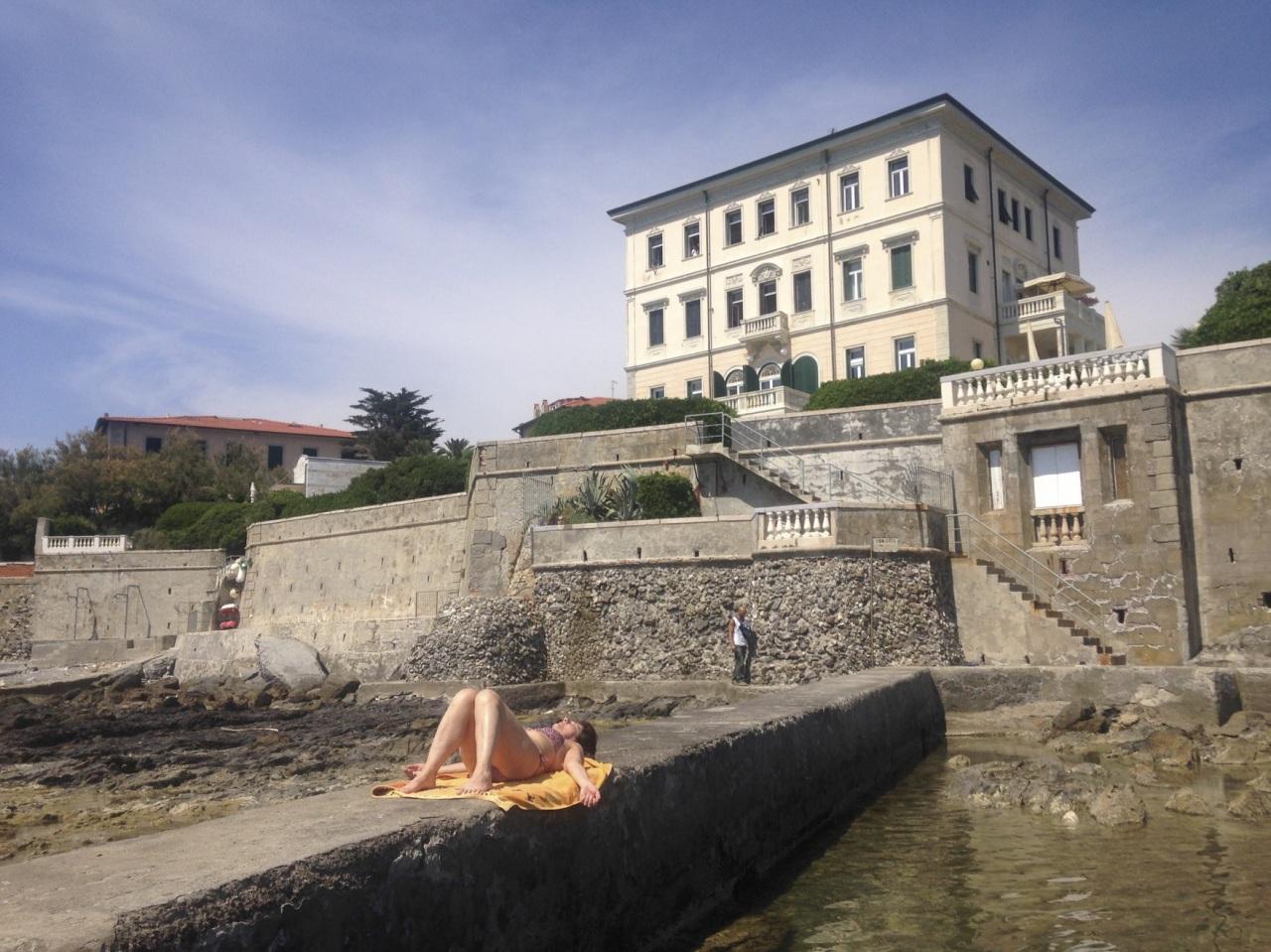 Bilocale Livorno Viale Vespucci  56 7