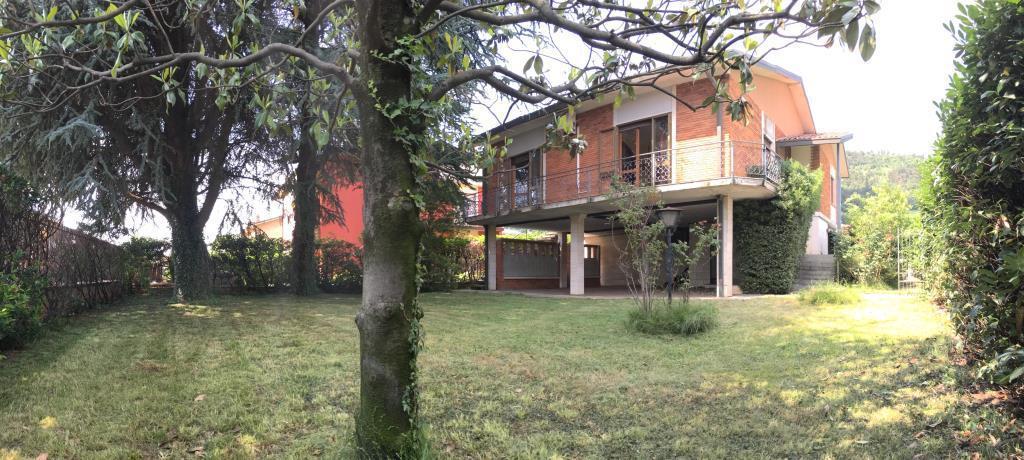 Villa in Vendita a Cologne
