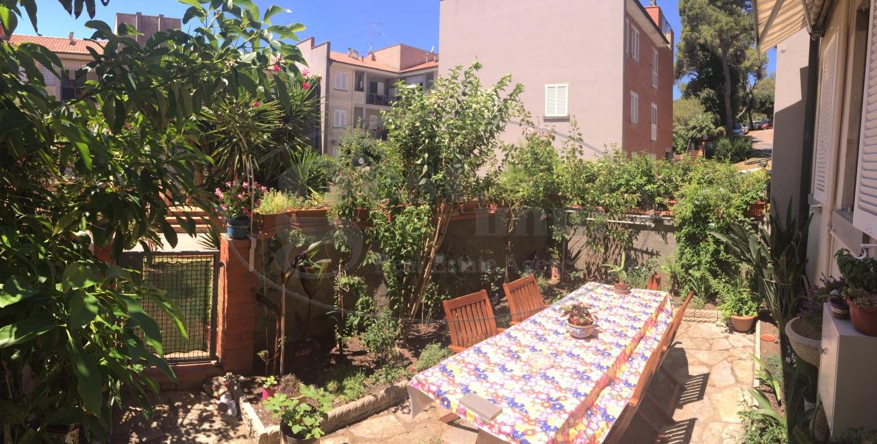 Appartamento in vendita a Livorno, 4 locali, prezzo € 230.000 | CambioCasa.it