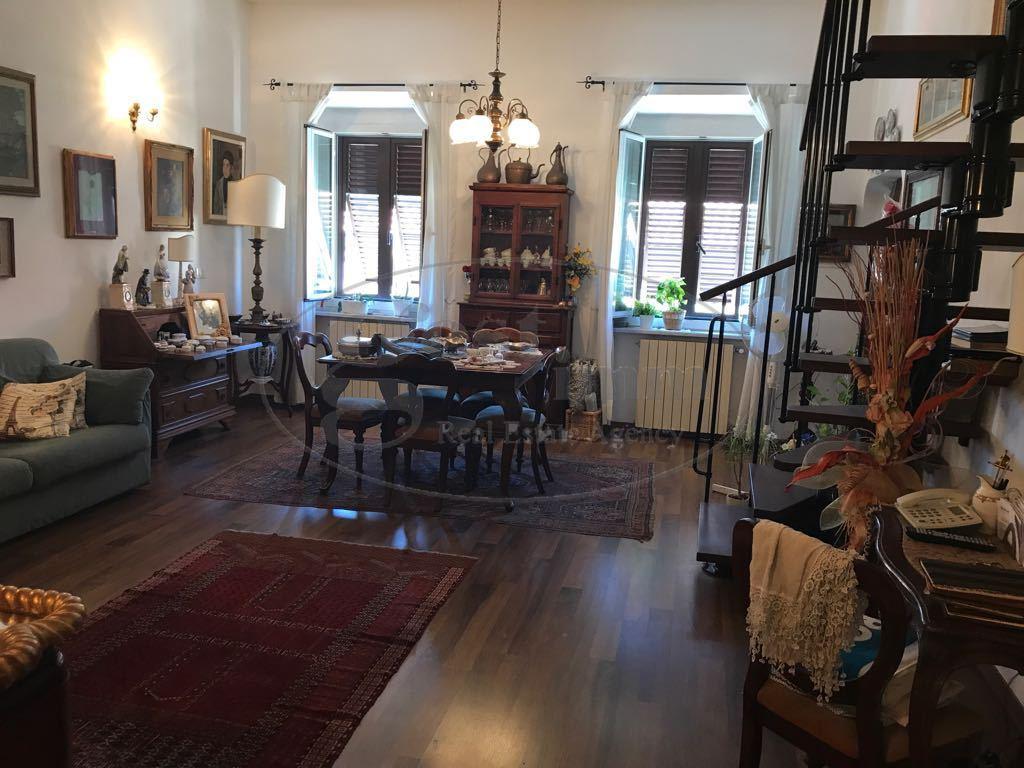 Appartamento in vendita a Livorno, 3 locali, prezzo € 130.000 | CambioCasa.it