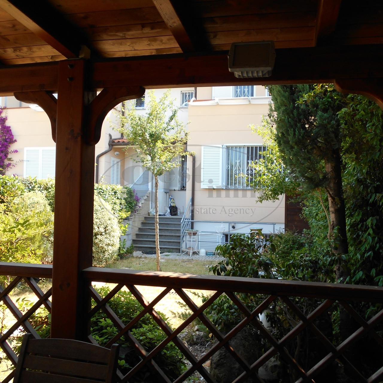 Casa singola in vendita a montenero livorno - Casa con giardino livorno ...