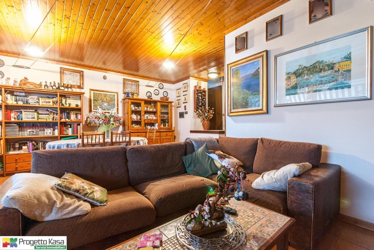 Villa in Vendita a Mozzate