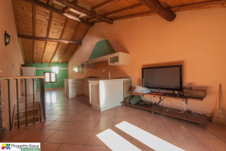 Appartamento in Vendita a Limido Comasco
