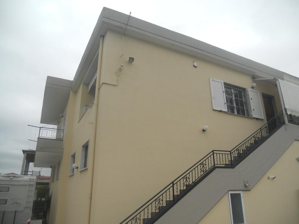 Casa semindipendente in vendita, rif. 2133