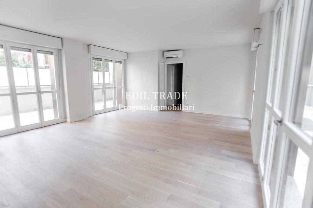 Appartamento in vendita a Milano, 3 locali, prezzo € 590.000 | CambioCasa.it