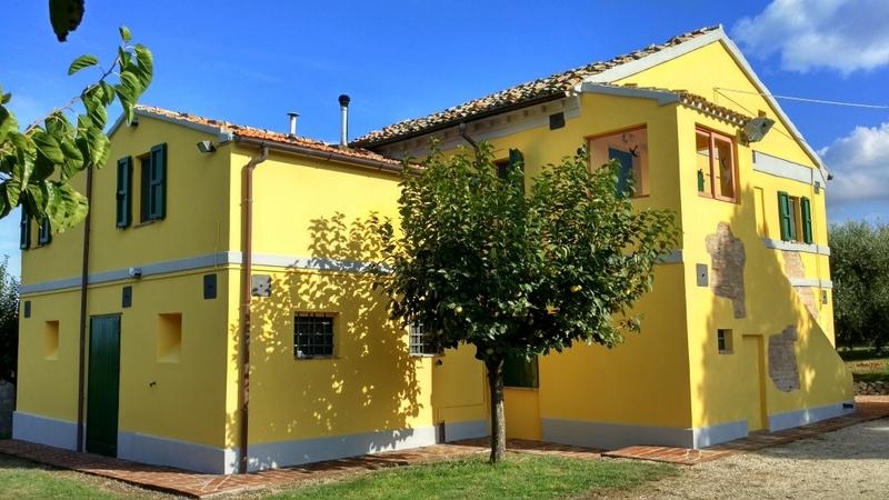 Rustico / Casale in vendita a Recanati, 12 locali, prezzo € 499.000 | CambioCasa.it