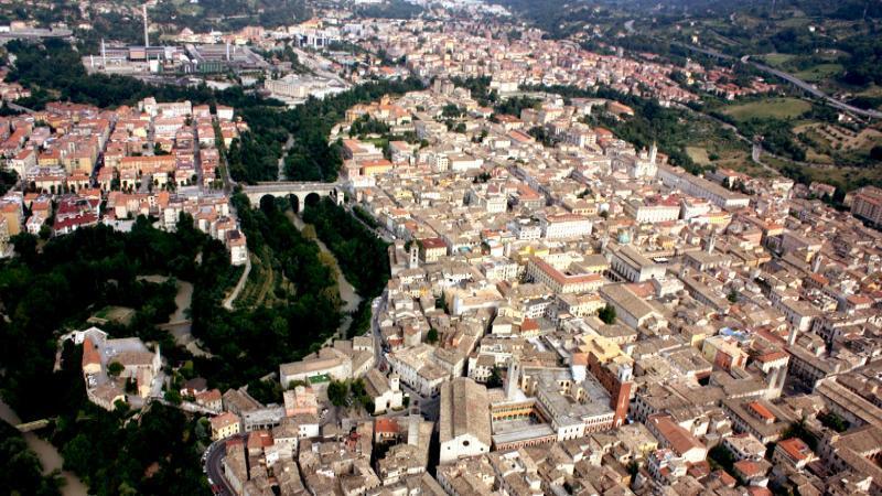 Villa in vendita a Ascoli Piceno, 1 locali, prezzo € 450.000 | CambioCasa.it