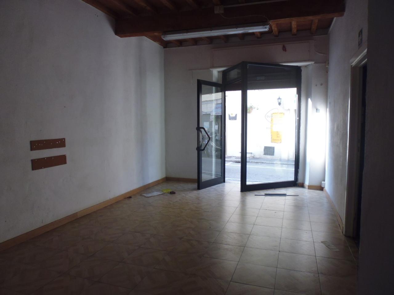 Capannone in affitto a Livorno, 1 locali, prezzo € 450 | Cambio Casa.it