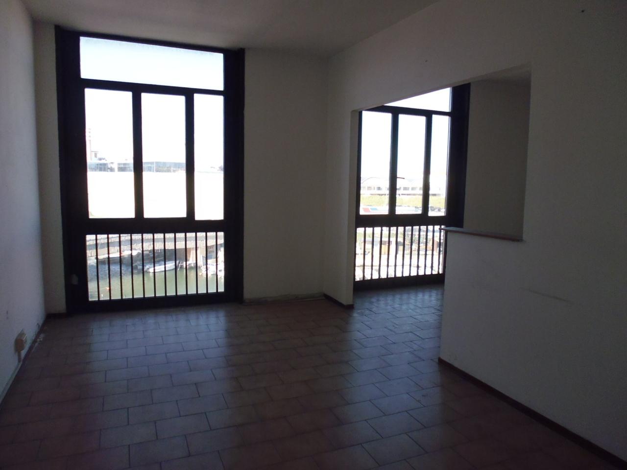 Ufficio / Studio in affitto a Livorno, 8 locali, prezzo € 800 | Cambio Casa.it