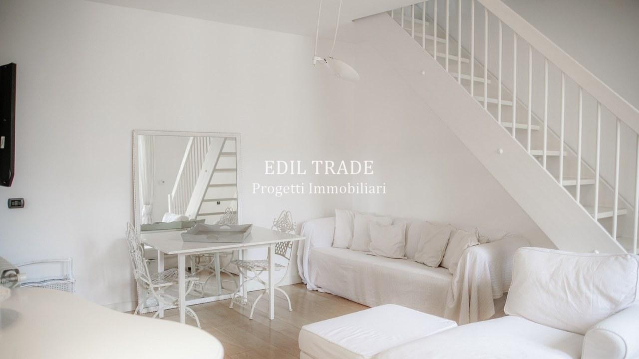 Appartamento in vendita a Milano, 2 locali, prezzo € 370.000 | CambioCasa.it