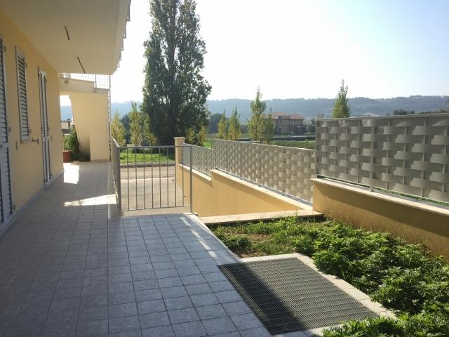 Appartamento in vendita a Altidona, 4 locali, prezzo € 218.000 | CambioCasa.it