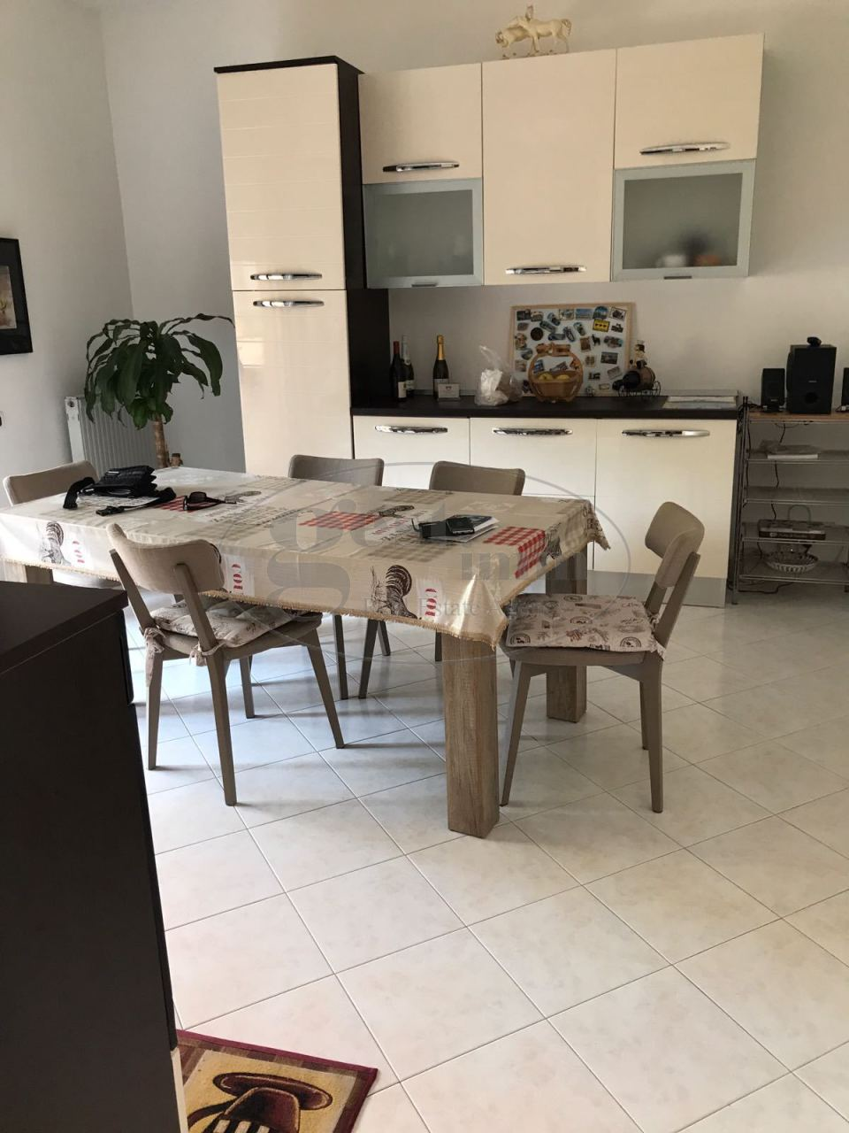 Appartamento in vendita a Livorno, 4 locali, prezzo € 210.000 | CambioCasa.it