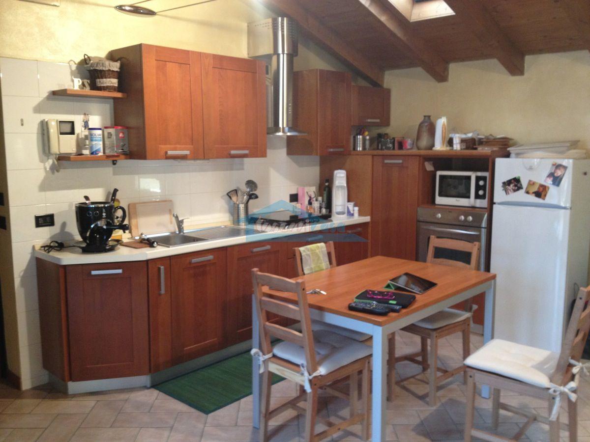 Angolo Cottura Appartamento  a Adro