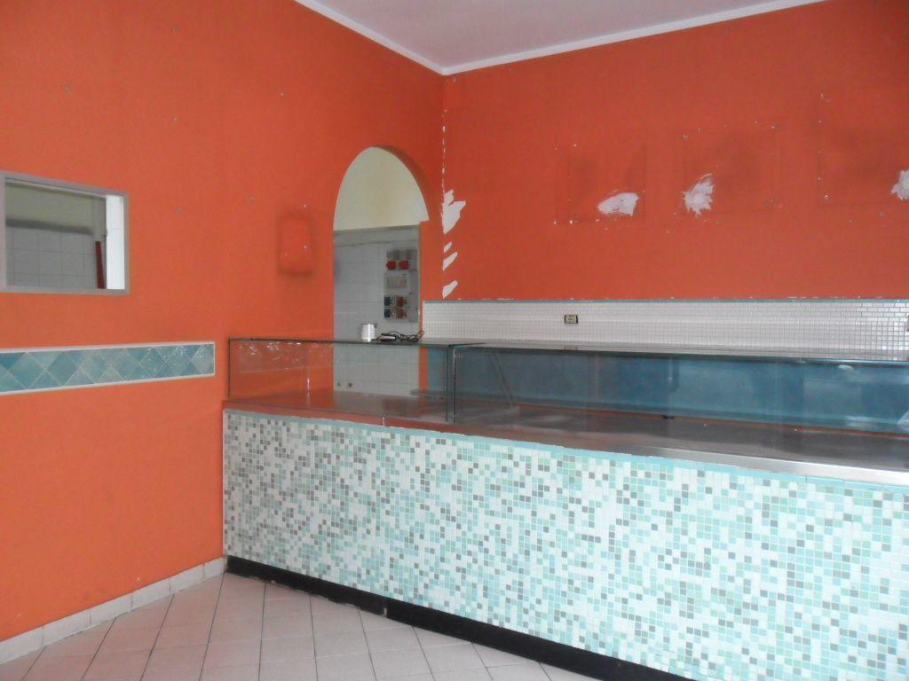 Negozio / Locale in affitto a San Benedetto del Tronto, 1 locali, prezzo € 1.000   CambioCasa.it