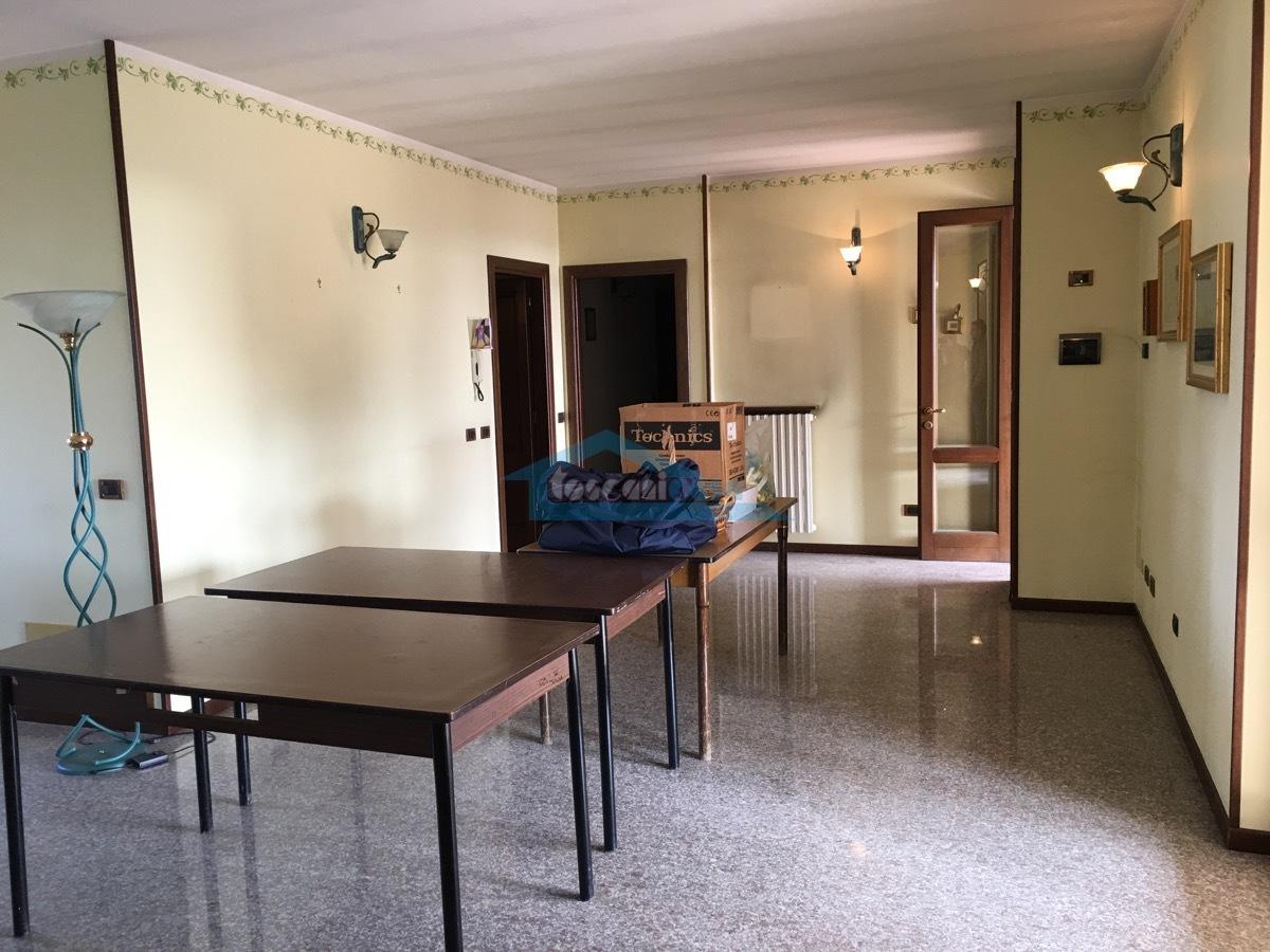 1P sala  Appartamento  a Cazzago San Martino