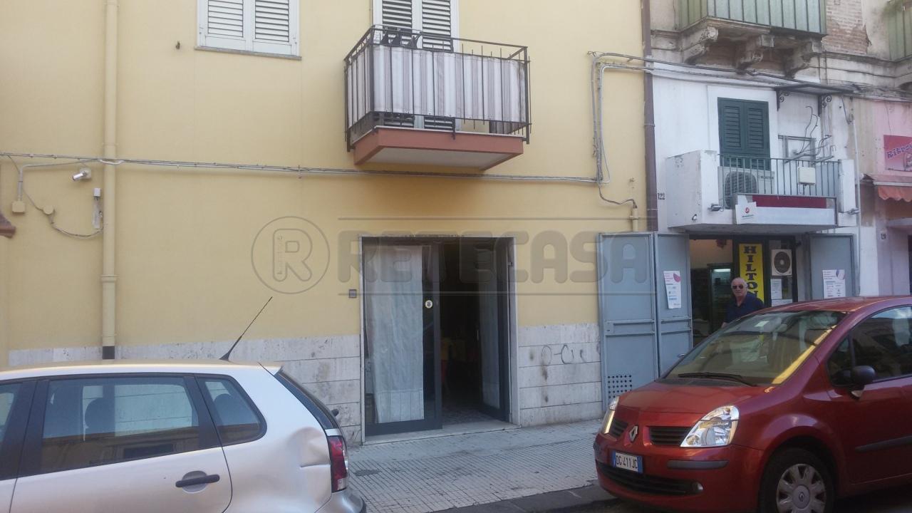 Negozio / Locale in affitto a Messina, 1 locali, prezzo € 500 | Cambio Casa.it