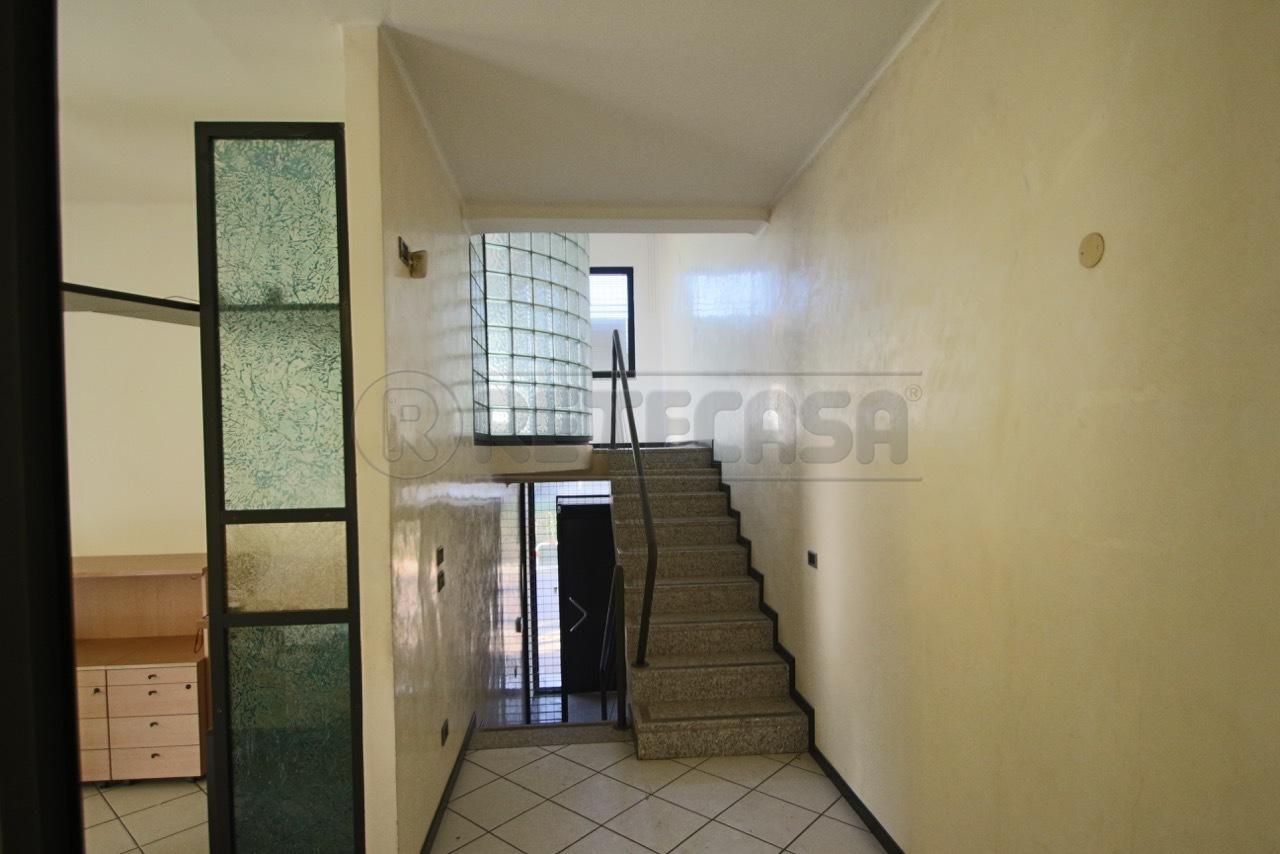 Ufficio / Studio in affitto a Quinto Vicentino, 3 locali, prezzo € 700 | Cambio Casa.it