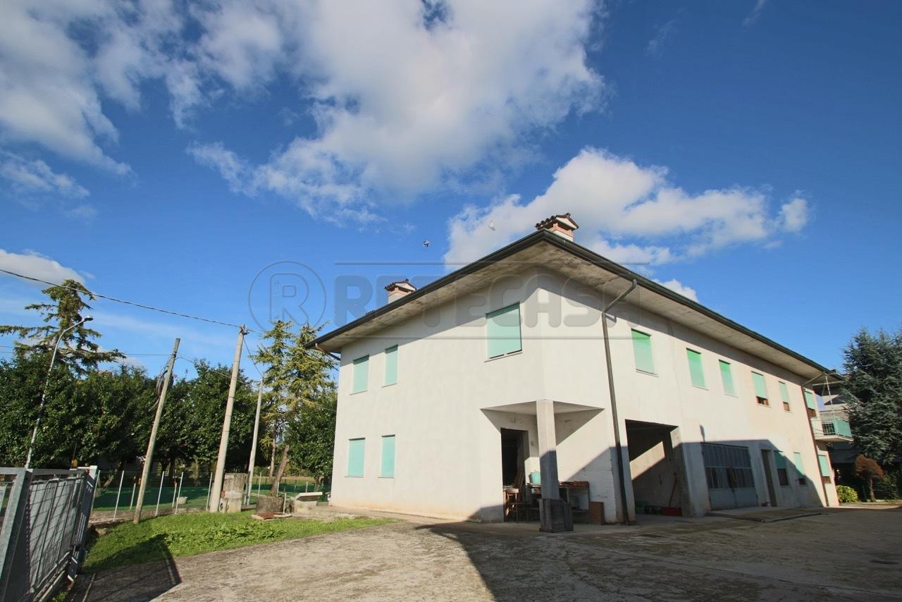 Soluzione Indipendente in Vendita a Bolzano Vicentino