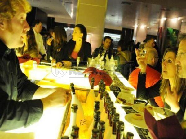 Bar in vendita a Mantova, 9999 locali, Trattative riservate | Cambio Casa.it