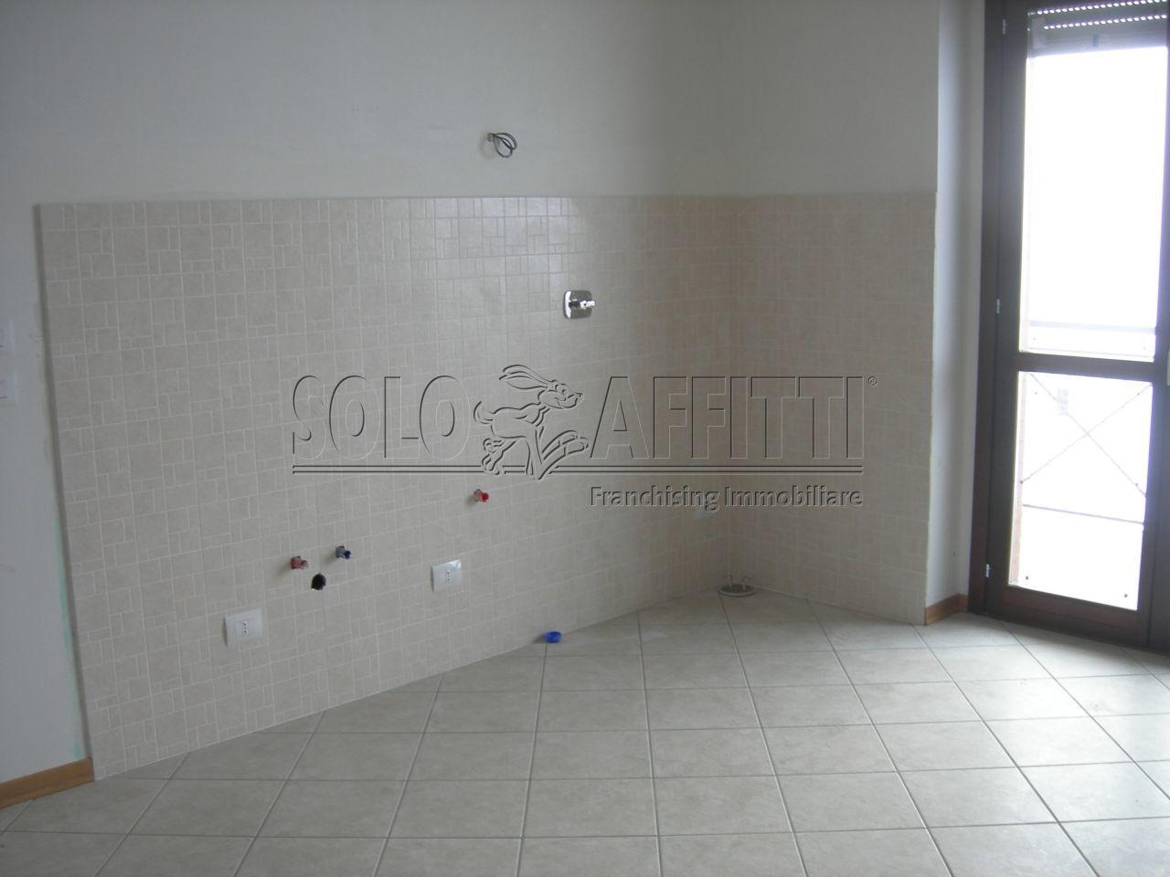 Appartamento in affitto a Vinovo, 4 locali, prezzo € 450 | Cambio Casa.it