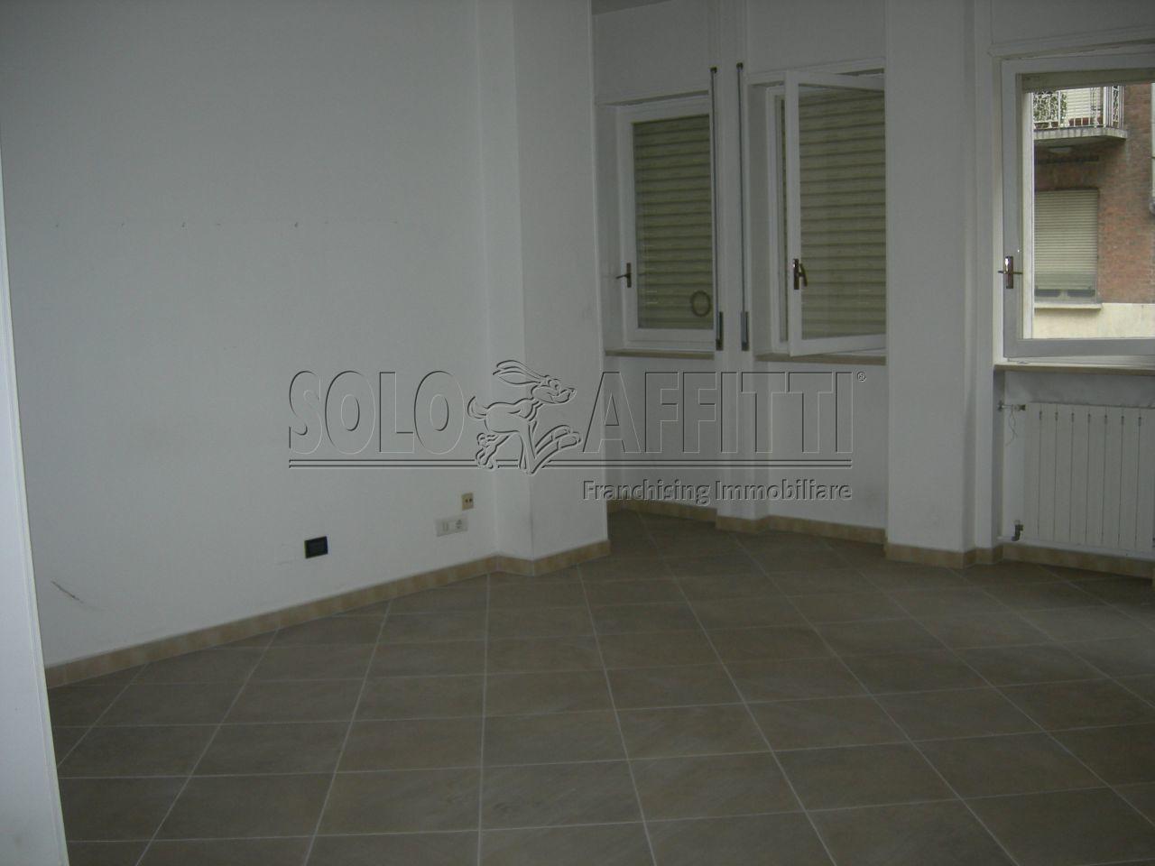 Ufficio / Studio in affitto a Torino, 4 locali, prezzo € 700 | Cambio Casa.it