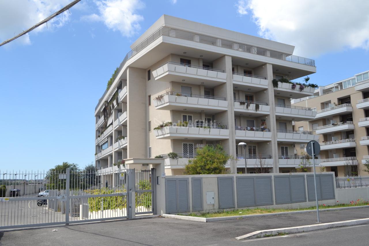 Appartamento monolocale in affitto a roma torrino for Appartamento affitto arredato roma