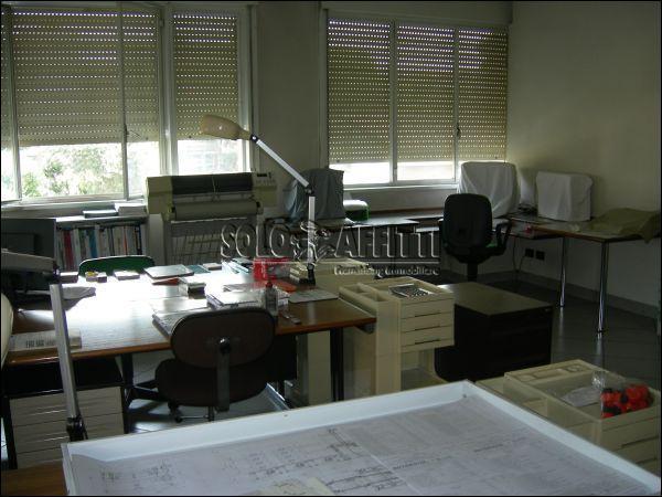 Ufficio / Studio in affitto a Torino, 4 locali, prezzo € 900   Cambio Casa.it